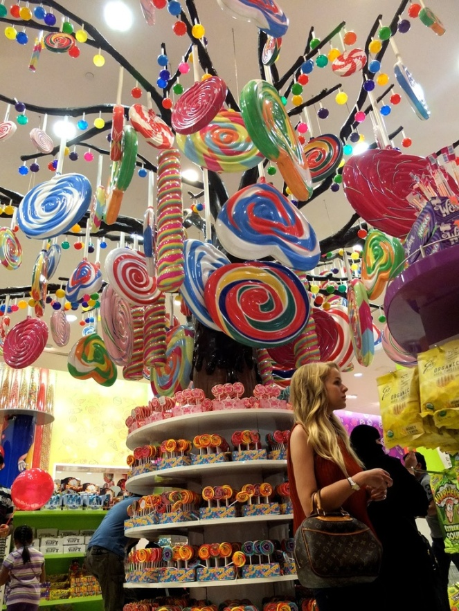 The most beautiful candy in the world! Image found on valentinadepertis.blogspot.se