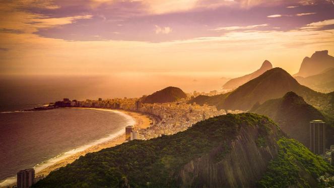 DE-Rio-de-Janiero-Copacabana-Beach.rend.tccom.966.544.jpeg